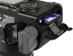 Canon EOS 40D Batteriefach Speicherkartenfach [Foto: MediaNord]