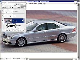 Bild 2. Die Bewegungsunschärfe verfremdet den Hintergrund, ein kreisförmiger Weichzeichner simuliert die Drehbewegung der Räder [Foto: Daimler-Chrysler AG]