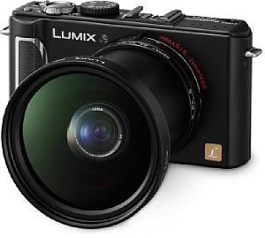 Panasonic Lumix DMC-LX3 mit Weitwinkelkonverter (18 mm) [Foto: Panasonic]