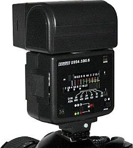 Ein Blendenrechner zeigt an, welche Blenden und ISO-Einstellungen an der Kamera vorzunehmen sind. [Foto: Sven Neidig]