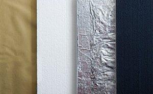 Fototipp - Reflektor im Eigenbau, vier verschiedene Oberflächen auf Styropor-Platten [Foto: MediaNord]