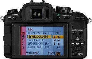 Panasonic Lumix DMC-G2 mit eingeschaltetem Monitor [Foto: MediaNord]