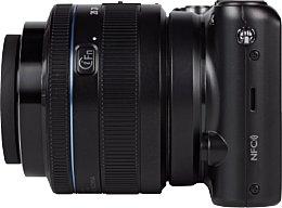 Samsung NX2000 mit NX Lens 20-50 mm 3.5-5.6 II [Foto: MediaNord]