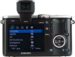 Samsung NX100 mit Samsung elektronischer Sucher EVF10 [Foto: MediaNord]