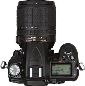 Nikon D7000 mit Nikon DX AF-S Nikkor 18-105mm 1:3.5-5.6G ED [Foto: MediaNord]