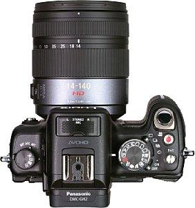 Panasonic Lumix DMC-GH2 mit Panasonic Lumix G Vario 1:4-5.8 14-140 mm HSPH Mega O.I.S. [Foto: MediaNord]