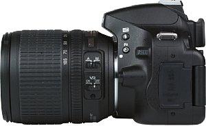 Nikon D5100 mit AF-S 18-105 mm 3.5-5.6 DX G ED VR [Foto: MediaNord]