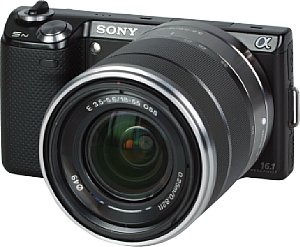 Sony NEX-5N mit E 18-55 mm 3.5-5.6 OSS (SEL1855) [Foto: MediaNord]