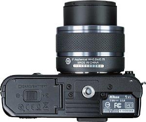 Nikon 1 V1 mit 1-Mount VR 10-30 mm 3.5-5.6 [Foto: MediaNord]