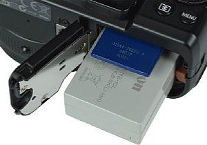 Canon PowerShot G1 X Speicherkartenfach und Akkufach [Foto: MediaNord]
