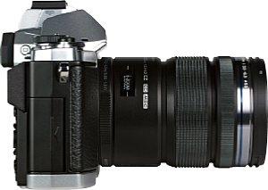 Olympus OM-D E-M5 mit 12-50 mm 3.5-6.3 ED EZ [Foto: MediaNord]