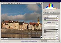 Das Bild erscheint zu dunkel. Mit einem Klick auf das Ausrufezeichen wird jedoch zuerst auf Prozessversion 2012 umgestellt. [Foto: Heico Neumeyer]