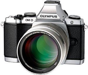 Olympus OM-D E-M5 mit 75 mm 1.8 ED [Foto: Olympus]