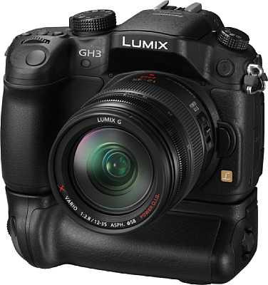 Panasonic Lumix DMC-GH3 mit Batteriegriff [Foto: Panasonic]