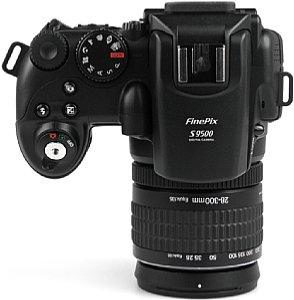 Fujifilm FinePix S9500  [Foto: MediaNord]