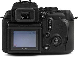 Fujifilm FinePix S9500 Rückansicht  [Foto: MediaNord]