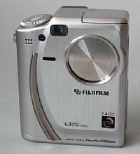 FujiFilm FinePix 4700 [Foto: Harald Schwarzer]