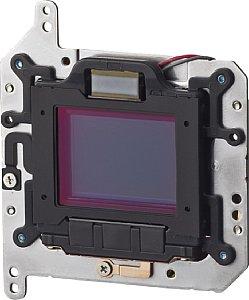 Canon EOS 400D montierte Reinigungseinheit mit Sensor [Foto: Canon]