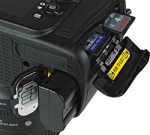 Nikon D600 Akkufach und Speicherkartenfach [Foto: MediaNord]