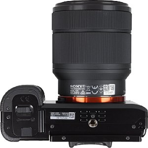 Sony Alpha 7 mit FE 28-70 mm [Foto: MediaNord]