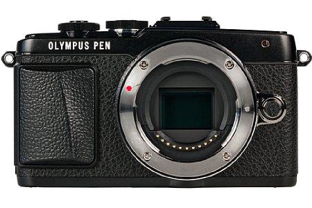 Bild Die Olympus Pen E-PL7 besitzt einen Four Thirds Sensor, der auf 17,3 x 13 mm Fläche effektiv 16 Megapixel unterbringt. [Foto: MediaNord]