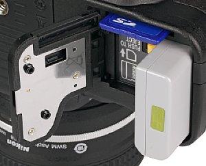 Nikon Df Speicherkartenfach und Akkufach [Foto: MediaNord]