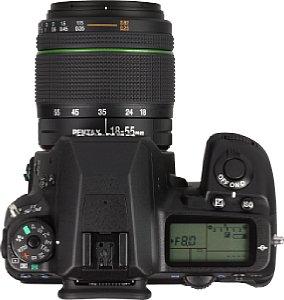 Pentax K-5 II mit 18-55 mm [Foto: MediaNord]