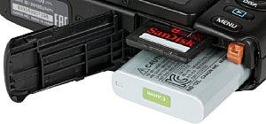 Canon PowerShot N100 Speicherkartenfach und Akkufach [Foto: MediaNord]