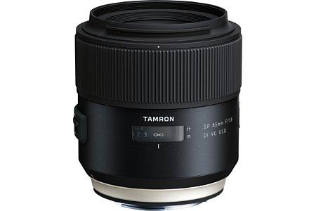 Bild Das Tamron SP 85 mm F1.8 Di VC USD (Model F016) erweitert die lichtstarke 1.8er Objektivserie (bisher 35 und 45 mm) um ein Porträtobjektiv, das obendrein das erste seiner Art mit Bildstabilisator ist. [Foto: Tamron]