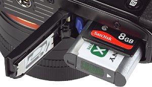 Sony DSC-RX1 Speicherkartenfach und Akkufach [Foto: MediaNord]