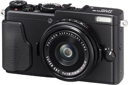 Bild Als kleine Schwester der X100 bietet die Fujifilm X70 einen APS-C-Sensor mit 16 Megapixeln Auflösung und ein F2,8/28mm-Objektiv. Sie steht damit in direkter Konkurrenz zur Nikon Coolpix A und Ricoh GR II. [Foto: Fujifilm]