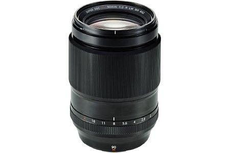 Bild Das Fujifilm XF 90 mm F2 R LM WR besitzt ein robustes Metallgehäuse mit Dichtungen zum Schutz vor Staub und Spritzwasser. [Foto: Fujifilm]