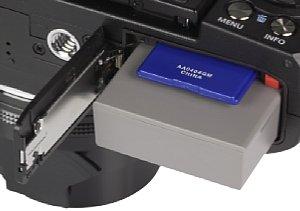 Olympus Stylus 1 Batteriefach und Akkufach [Foto: MediaNord]
