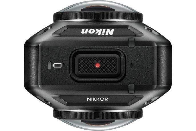 """Bild Nikon KeyMission 360: Oben befindet sich der """"Auslöser"""" bzw. die Video-Start-Stopp-Taste. [Foto: Nikon]"""
