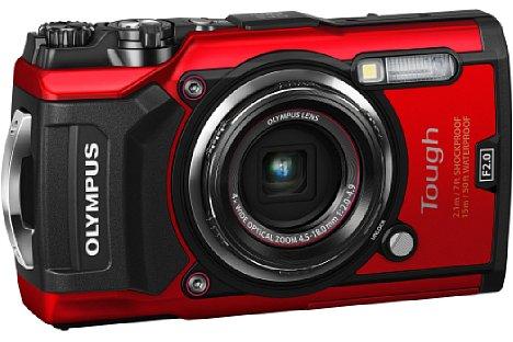 Bild Das im Weitwinkel F2,0 lichtstarke 4-fach-Zoom der Olympus Tough TG-5 deckt einen kleinbildäquivalenten Brennweitenbereich von 25-100 mm ab. Der BSI-CMOS-Sensor löst 12 Megapixel auf und beherrscht eine 4K-Videoaufnahme. [Foto: Olympus]