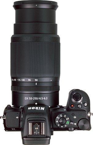 Bild Gut ablesbare Markierungen erlauben beim Nikon Z 50-250 mm 4,5-6,3 VR DX ein einfaches Ablesen der eingestellten Brennweite. [Foto: MediaNord]