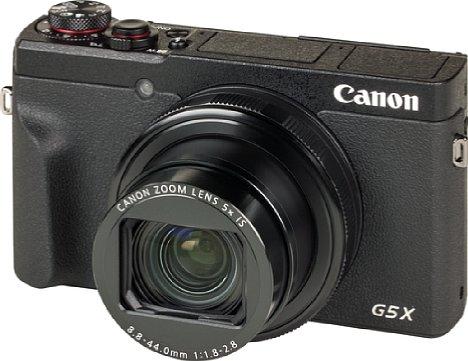 Bild Die Canon PowerShot G5 X Mark II hat äußerlich viel mehr Ähnlichkeiten mit dem kleineren Schwestermodell G7 X Mark III als mit dem Vorgängermodell G5 X, das noch einen Blitz- und Sucherbuckel samt Blitzschuh besaß. [Foto: MediaNord]