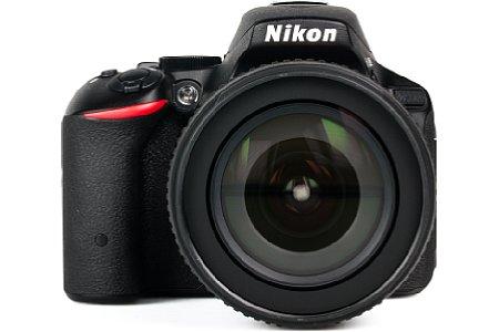 Nikon D5500 mit 18-105 mm. [Foto: MediaNord]