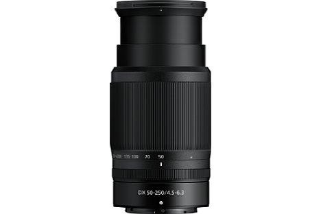 Bild Zum Betrieb muss das Nikon Nikkor Z DX 50-250 mm F4.5-6.3 VR ausgefahren werden. Auch dieses Objektiv bietet einen Multifunktionsring. [Foto: Nikon]