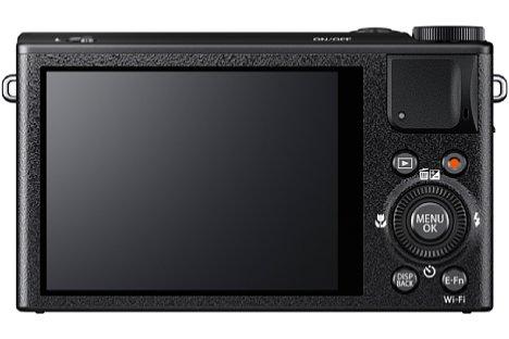 Bild Auf der Rückseite besitzt die Fujifilm XQ1 einen 7,6 Zentimeter großen Bildschirm mit 920.000 Bildpunkten Auflösung. [Foto: Fujifilm]