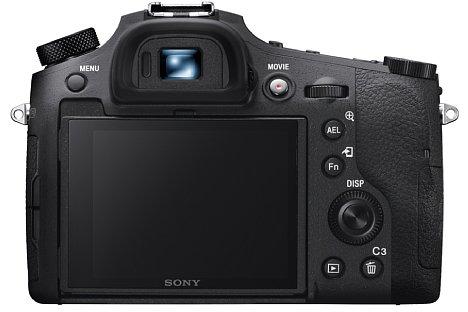 Bild Beim klappbaren Bildschirm der Sony RX10 IV handelt es sich nun um einen Touchscreen, der OLED-Sucher soll schneller geworden sein. [Foto: Sony]