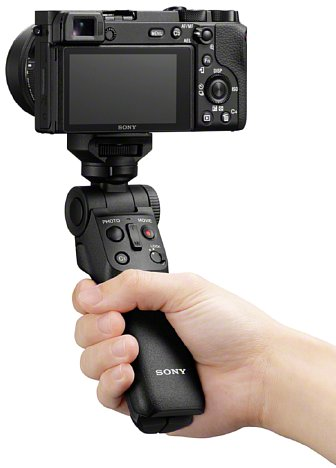 Bild Sony GP-VPT2BT mit Alpha 6600 im Einsatz. [Foto: Sony]