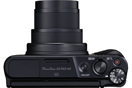 Bild Im vier Zentimeter flachen Gehäuse bringt die Canon PowerShot SX740 HS ein optisches 40-fach-Zoom von umgerechnet 24-960 mm Brennweite unter. [Foto: Canon]