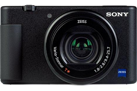 Bild Im Gegensatz zur RX100er-Serie besitzt die Sony ZV-1 leider keinen Objektivring. Dafür muss man bei ihr keinen Handgriff ankleben, denn er ist direkt verbaut und verbessert die Ergonomie ungemein. [Foto: MediaNord]