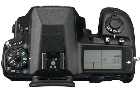 Pentax K-7 mit DA 18-55mm [Foto: Pentax]