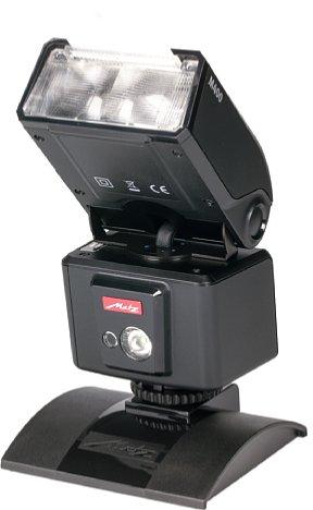 Bild Metz mecablitz M400 mit Reflektorscheibe. [Foto: MediaNord]