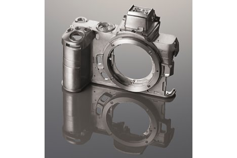 Bild Die vordere Gehäuseschale der Nikon Z 50 besteht aus einer Magnesiumlegierung. [Foto: Nikon]