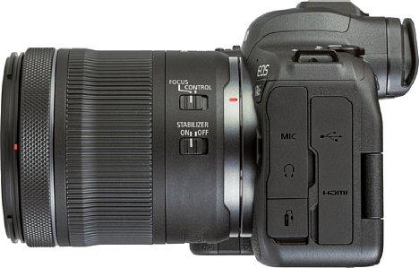Bild Die Schnittstellenausstattung der Canon EOS R6 ist vielfältig: Neben einem Fernauslöseanschluss gibt es einen Mikrofonein- und einen Kopfhörerausgang sowie eine 4K-fähige Micro-HDMI-Schnittstelle und einen modernen USB-C-Anschluss. [Foto: MediaNord]