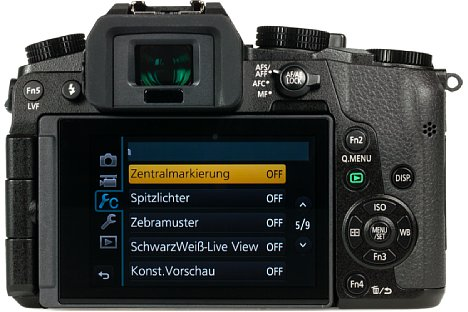 Bild Der rückwärtige Touchscreen lässt sich schwenken und drehen. Außerdem ist die Panasonic Lumix DMC-G70 mit einem großen und hochauflösenden elektronischen Sucher ausgestattet, der sich automatisch aktiviert. [Foto: MediaNord]