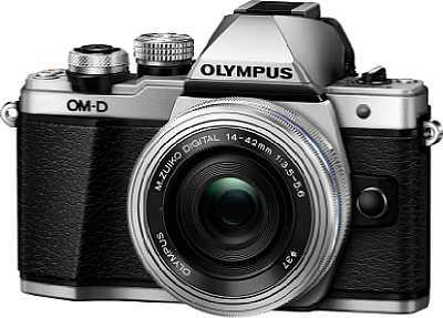 Mit dem neuen Firmwareupdate arbeitet die Rotationskompensation des Sensor-Stabilisators der Olympus OM-D E-M10 Mark II mit dem optischen Bildstabilisator des neuen300 mm 1:4 ED IS Pro zusammen. [Foto: Olympus]